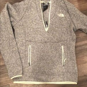 GUC North Face pullover XS